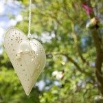 Nicky-Natalie-Wedding9-Hanging-hearts-at-a-wedding