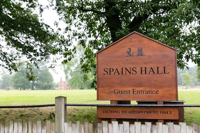Wedding-at-Spains-Hall-Essex-005