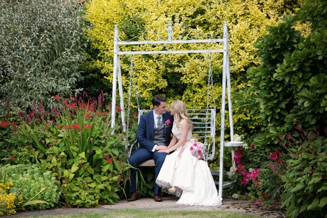 posing-for-your-wedding-photos-0005