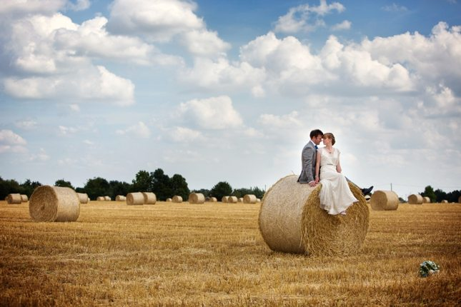 posing-for-your-wedding-photos-0012