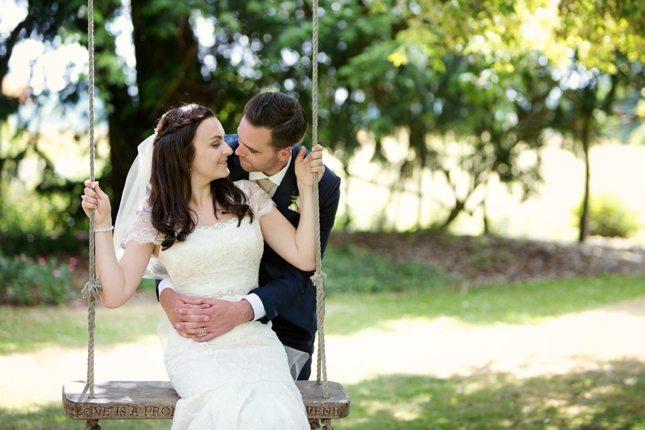 posing-for-your-wedding-photos-0014