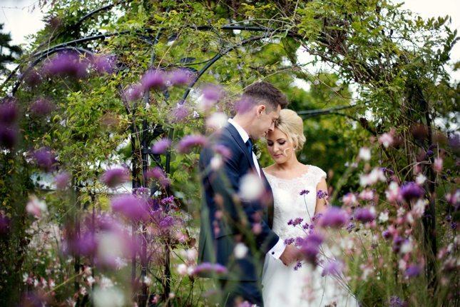 posing-for-your-wedding-photos-0019