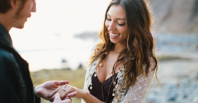Why You Should Consider a Holiday Proposal