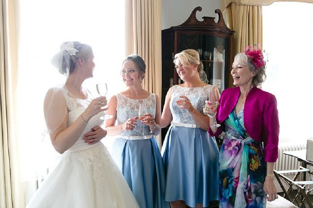 pre-ceremony-bridesmaid-bonding-008