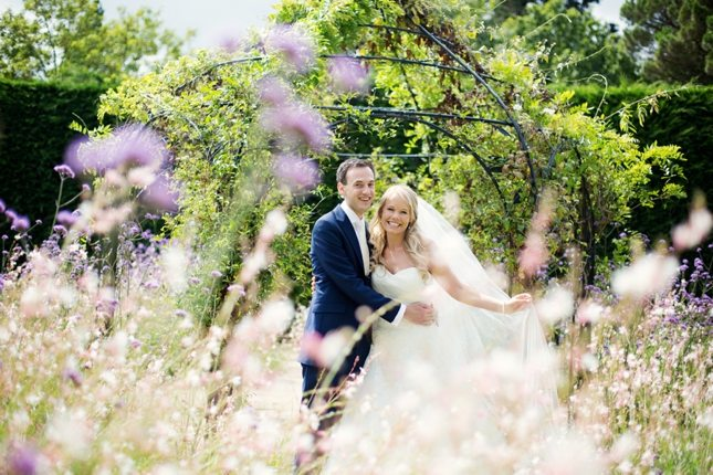 Top tips on posing for your wedding photos - Dream Occasions